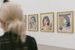 """The exhibition """"MISFITTING TOGETHER. Serial Formations of Pop Art, Minimal Art, and Conceptual ..."""