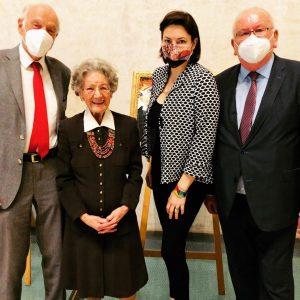 Herzlichen Glückwunsch zum 95. Geburtstag, Frau Dr. Leopold!