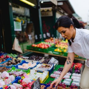 My favorite place in Vienna: #naschmarkt #chefatwork #privatechef #femalechef #privatkoch #wien #chefedecozinha Photo: ...