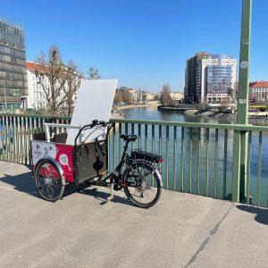Wien Donaukanal: Perfektes Wetter zum Schreibtisch umziehen. Die ganze Fahrt gibts nächste Woche ...