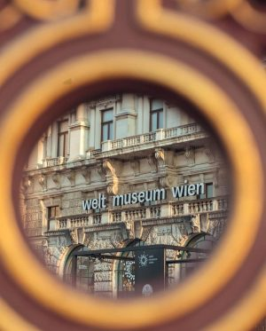 Thank you @karin.vie for contributing to today's #WeltmuseumWienWednesday. If you're interested in the façade of #WeltmuseumWien, we'd...