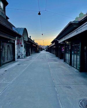 Einen aufgeregten Samstag gehabt? Der Naschmarkt auch, denn seit seiner Wiedereröffnung am 13.02.2021 ...
