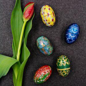 Jedes Jahr zu Ostern warten auch echte Sammlerstücke auf euch. Die Fabergé-Eier sind nicht nur von außen...