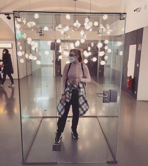 I just need my space 🏗⚗️ #natürlicheshabitat #nikeonmyfeet #perfectspot #wannabecoolhashtag MAK - Museum of Applied Arts