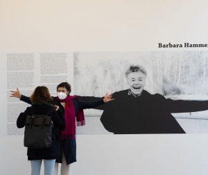Vier Fionas vor den vielfältigen #Facetten und #Filmen der #Barbara Hammer. Unermüdliche Vermittlungsleistung ...