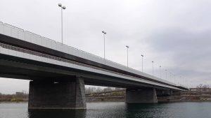 Reichsbrücke, Kaisermühlen Die Reichsbrücke ist heute die wichtigste und meistbefahrene Donaubrücke Wiens und wurde im Jahr 1980...