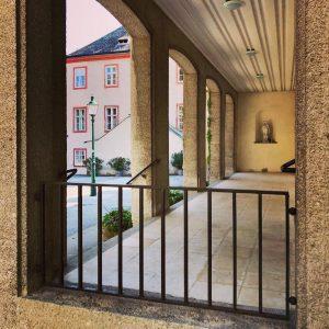 Almost Salzburg. Rupertusplatz, Dornbach, Vienna. @philopolist @almosttimbuktu #wojciechczaja #editionkorrespondenzen #almost #almostthere #city #cityphotography #travelphotography #travel #urbanphotography #urbanjungle...