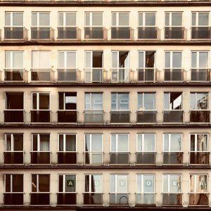Almost Kharkiv. Bauernmarkt, Innere Stadt, Vienna. @philopolist @almosttimbuktu #wojciechczaja #editionkorrespondenzen #almost #almostthere #city #cityphotography #travelphotography #travel #urbanphotography...