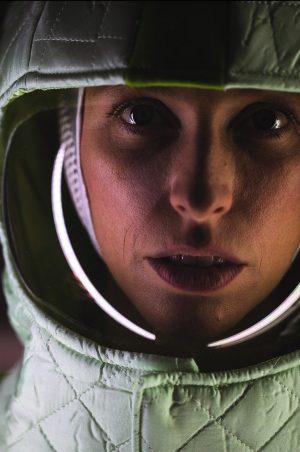 Auch SOPHIA LÖFFLER steckt seit über einem Jahr auf einer havarierten Raumstation irgendwo im All fest... www.schauspielhaus.at/projekt_lostinspaceandtime...