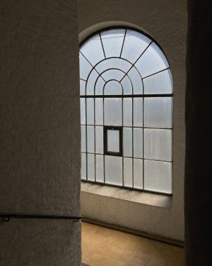 F23 window. . #vienna #wien #visitvienna #viennagram #igersvienna #ig_vienna #secretvienna #lovevienna #exploringvienna #1000thingsinvienna #viennanow @igersvienna @viennatouristboard #ourplanetdaily...