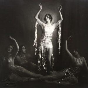 'Dancer Ellen Petz', 1920s. Photograph taken by Franz Xaver Setzer. Charleston, pixie haircuts ...