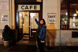 Café Hawelka哈維卡咖啡館文青覺青無所不談的地方😁😎😉 在老哈維卡對面現在開了一家新型態的新世代哈維卡咖啡店給現代文青覺青有新的選擇🥰🥰🥰 #維也納咖啡文化 Café Hawelka