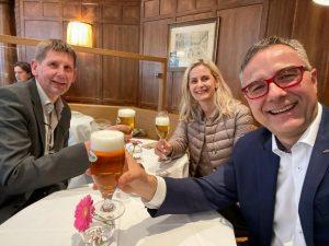 #Endlich wieder ein frisch gezapftes #Bier im #zumschwarzenkameel - #corona #kastnergruppe #gastro #gastronomie #restart #restartgastro #einerfüralles Zum...