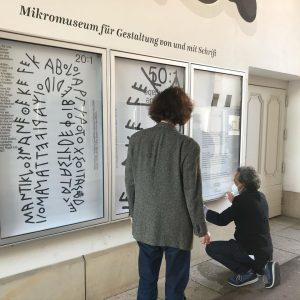 #ondisplay : #Typopassage Wien, Mikromuseum für Gestaltung von und mit Schrift @mqwien #curatedby: #toledoidertschei #cooperation with SFB...