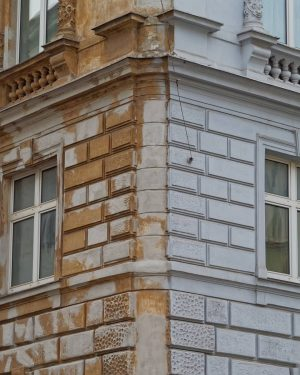 My work ethic as a building. #altbau #renovieren #renovation #vienna #igersottakring #igersvienna #igersaustria ...