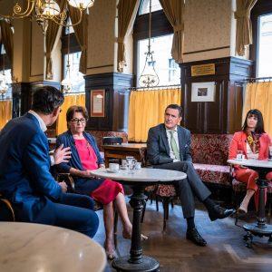 """TV-Tipp: Der neue Wirtschaftsreport mit dem Thema """"Wiener Kaffeehäuser nach der Pandemie"""" In ..."""