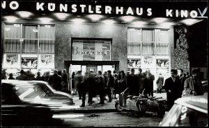 #StorySunday KÜNSTLERHAUS HISTORY >>>Chapter 20: KINO! 📽️ Anfang 1949 wurde im linken Seitenflügel ...