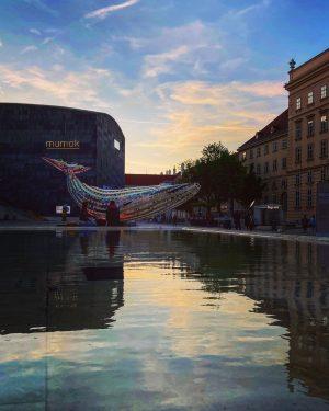 #mumok #vienna #mq #sunsetinthecity MQ – MuseumsQuartier Wien