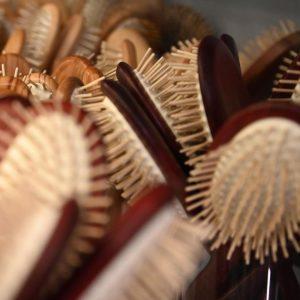 Haarbürsten der italienischen Traditionsfirma in Handarbeit sind wirklich etwas ganz Besonderes. 🤩 Die ...