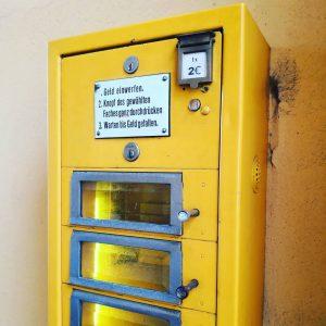 Dieser Automat hat meine Münze genommen, aber die feilgebotene Kunst behalten! Ich protestiere! . . . #mq...