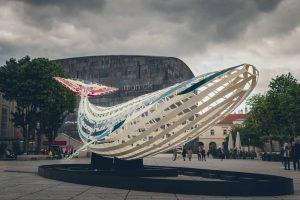 Wer hat schon die Walskulptur im Museumsquartiert gesehen? Ich war gestern dort und fand es echt cool....