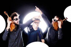 Das Trio #firststringsonmars ist am 20. Mai im Gläsernen Saal zu Gast! 🪐🎶 Unendliche Saiten. Dies sind...