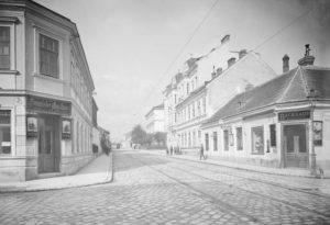 Hetzendorfer Straße 1900 2021. Die Hetzendorfer Straße befindet sich im 12. und 13. Bezirk und verläuft durch den...