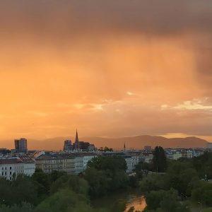 Magic! #nofilter #viennanow #wien #landstraße. #donaukanal #vienna #vienna_city #wienliebe #wienstagram #donau #wien🇦🇹