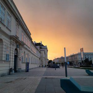 immernoch nasskalt, aber hübsch. #nofilter #vienna MQ – MuseumsQuartier Wien