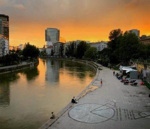 Vanilla Skies #vienna #donaukanal #austria #igersvienna #vanillasky Wien, Österreich