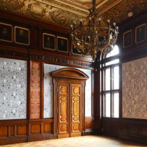 #StorySunday KÜNSTLERHAUS HISTORY >>> Chapter 22: Den schönsten Ausblick auf die Karlskirche haben wir! ✨✨👀 Zu Ehren...