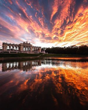 Have you seen today's incredible sunset? 🔥 by @its.jayjay #ViennaWaitsForYou #sunset #gloriette #travel #vienna #wien #vienna_austria #viennanow...