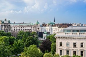 Vienna awaits you… 🥰 . . . #LeMeridienVienna #vienna #instavienna #wien #viennahotel #viennatouristboard ...