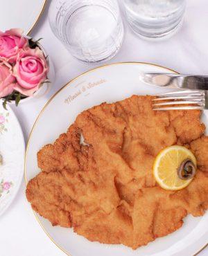 Raise your hand if you've already enjoyed some #schnitzellove 🖐   #meisslundschadn ...