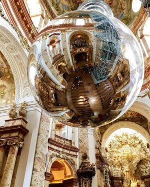 #karlskirche #wien #vienna #österreich #austria🇦🇹 #reflection #kirche #church #reflectiongram #reflection_shotz #austria #autriche #vienne #beauty #reisen #reizen #christmasball...
