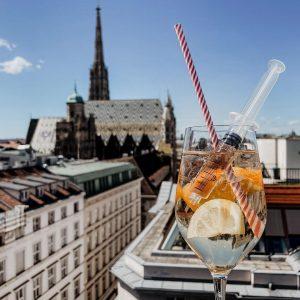 Jaukerl Spritz am LAMÉE ROOFTOP, mit bestem Wein vom @bioweingutlenikus - wir lieben ...