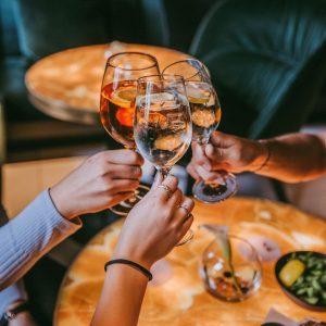 Cheers to the weekend! 🥂 . . . #LeMeridienVienna #vienna #instavienna #wien #viennahotel ...