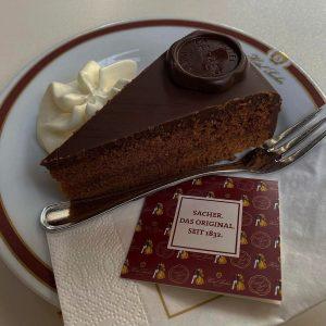 🇦🇹 Вкус Австрии 🍫 Легендарный шоколадный торт, изобретение австрийского кондитера Франца Захера. 👨🏼🍳Торт ...