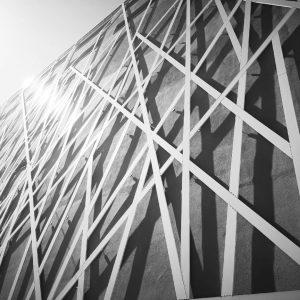 #bnwphotography #swfotografie #fassadengestaltung #architekturfotografie #architektur #shadow #sun #wienarchitektur #wien #vienna