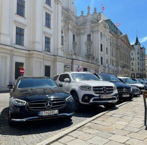 #business #trip #holiday #transfer #service #taxi #driver #profesional #preprava #worldtravel #travel #everyday #limousine #vip #viptransfer #limousineservice #mercedes...