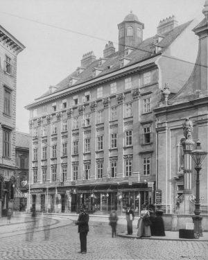 (um 1900/August Stauda (Fotograf), Wien Museum/Baugeschichte, Wikipedia) Favoritenstraße 2 - Blick von Wiedner Hauptstraße Die Favoritenstraße beginnt...