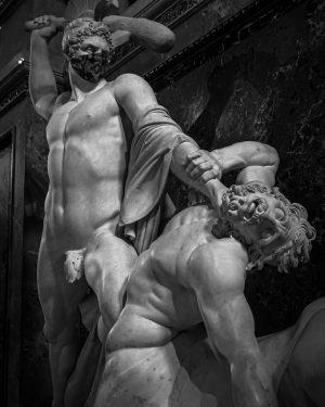 #vienna #austria #kunsthistorischesmuseum #museum #art #sculpture #blackandwhite #antiques #photography #history #travel #exhibition Kunsthistorisches Museum Vienna