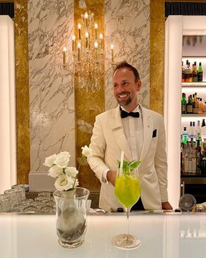 Our barkeeper Matthias recommends a refreshing Basil Secco during these warm days. The >>1873-HalleNsalon