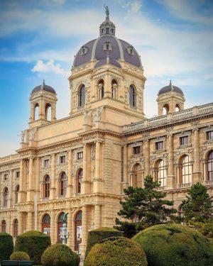 Kunsthistorisches Museum Vienna, Austria 🇦🇹 #museum #travel #Austria #nature #photography #sky #landscape #historical #people Kunsthistorisches Museum Vienna