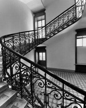 Vienna's staircases … #great_captures_bnw #thelife_bw #worldframeclubbw #fever_bnw #lookingup_bnw #archilovers #lightandshadow #vienna_go #viennanow #wienliebe ...