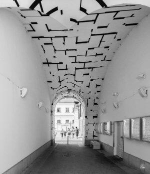 Tonspurpassage • MuseumsQuartier • Vienna, Austria. #architecture #architecturephotography #art #mural #museumsquartier #museumsquartietwien #passage #passageway #tonspur #tonspurpassage #wien...