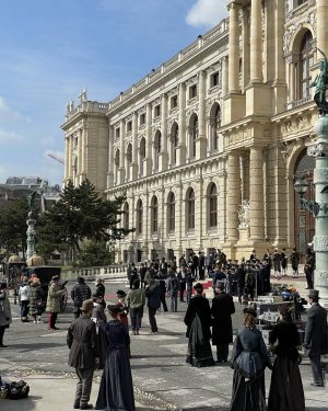 #setvisit CORSAGE shooting at the Maria-Theresien-Platz in front of the @nhmwien. 🎥 Written ...