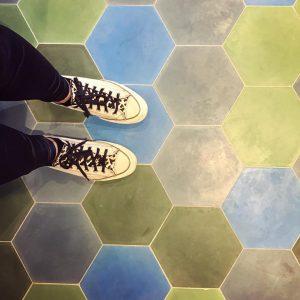 #wien #superbude #wienerprater #prater #tiles #tiledesign #converse #shoes #scarpe #viennalife #lifestyle #wienstagram #instafashion ...