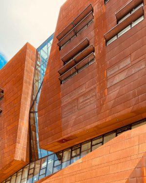 Tile red. . . #architecture #building #colour #orange #glass #tile #buildingphotography #vienna #austria #photographylovers #photography #shotoniphone Vienna