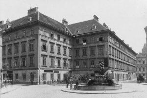 (um 1907/Stauda, Wien Museum/Wikipedia) Der Mozart-Brunnen, auch Zauberflötenbrunnen genannt, ist ein Brunnen auf ...